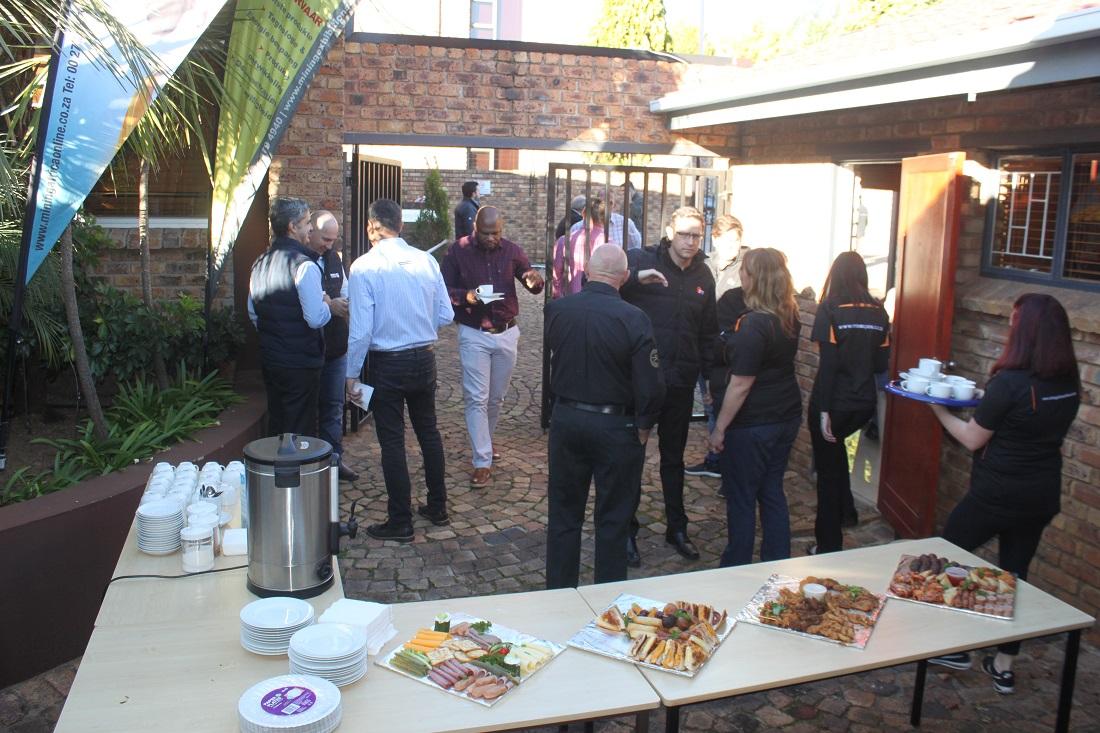 MTE hosts breakfast for exhibitors