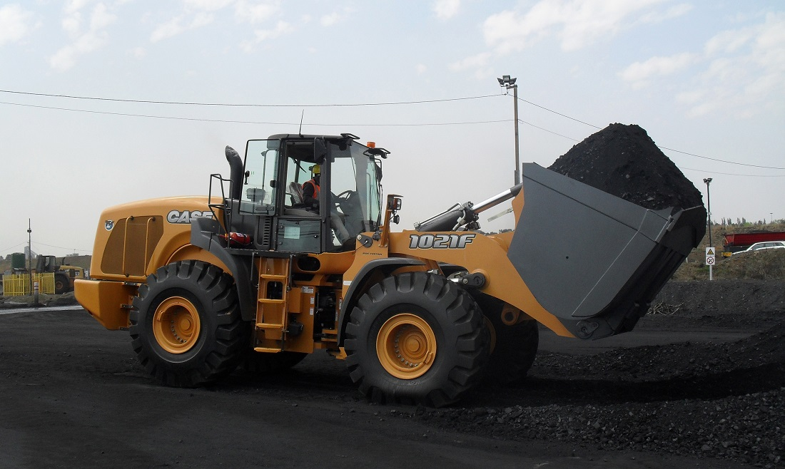 CASE 1021F wheel loader has advanced features for faster operation. Image credit: Case Construction Equipment