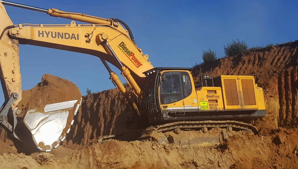 Hyundai R850LC-9 excavators – designed for high power and superior performance. Image credit: HPE Africa