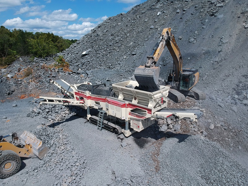 MDS M515 trommel screens for surface mining. Photo by BLT World