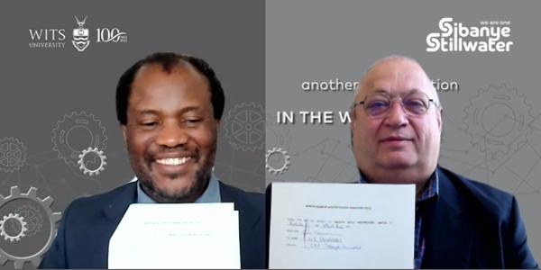 Wits VC Prof Zeblon Vilakazi and Sibanye-Stillwater CEO, Mr Neal Froneman signed an MoU. Photo credit: University of the Witwatersrand