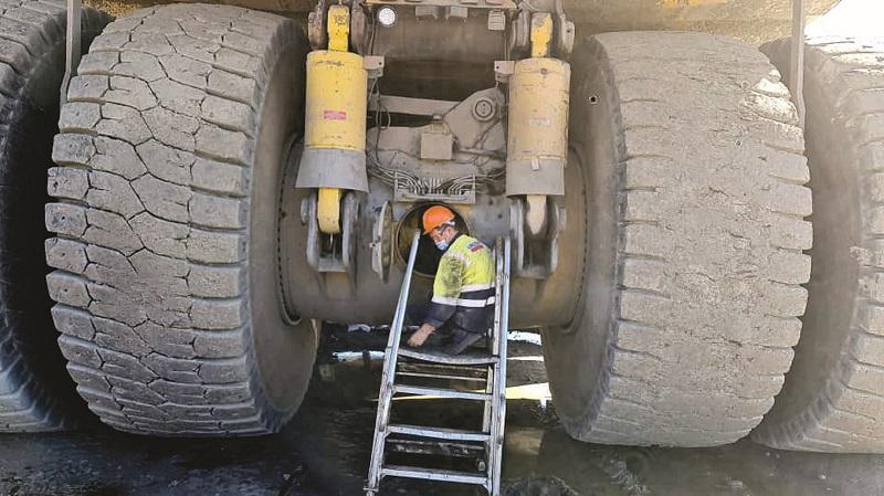 Copper mine renews SKF Zambia NDT Service Contract on mobile mine machines. Photo credit: SKF SA
